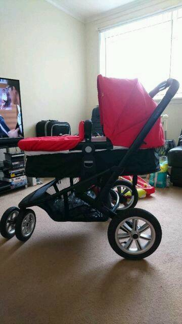 Pram/stroller with car seat and change bag