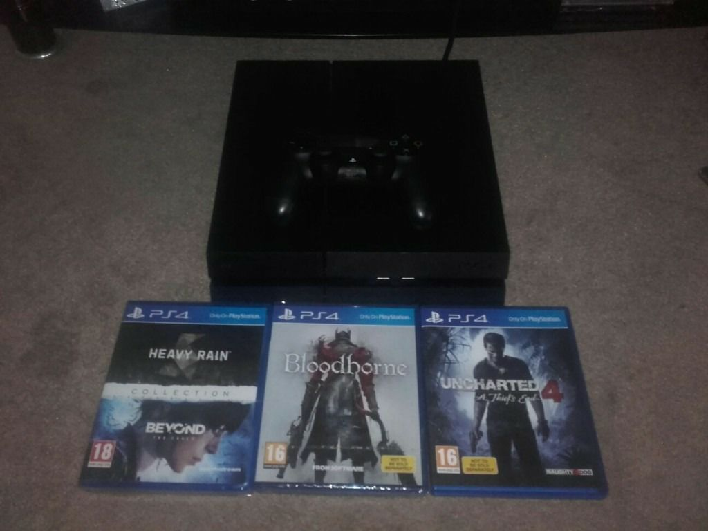nearly new ps4
