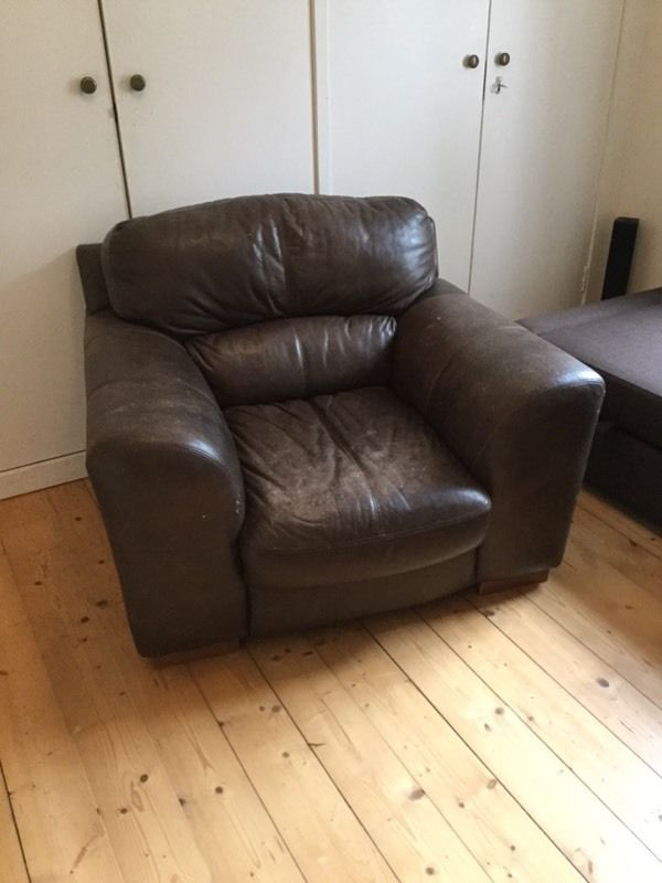 *FREE*Brown Leather Arm chair