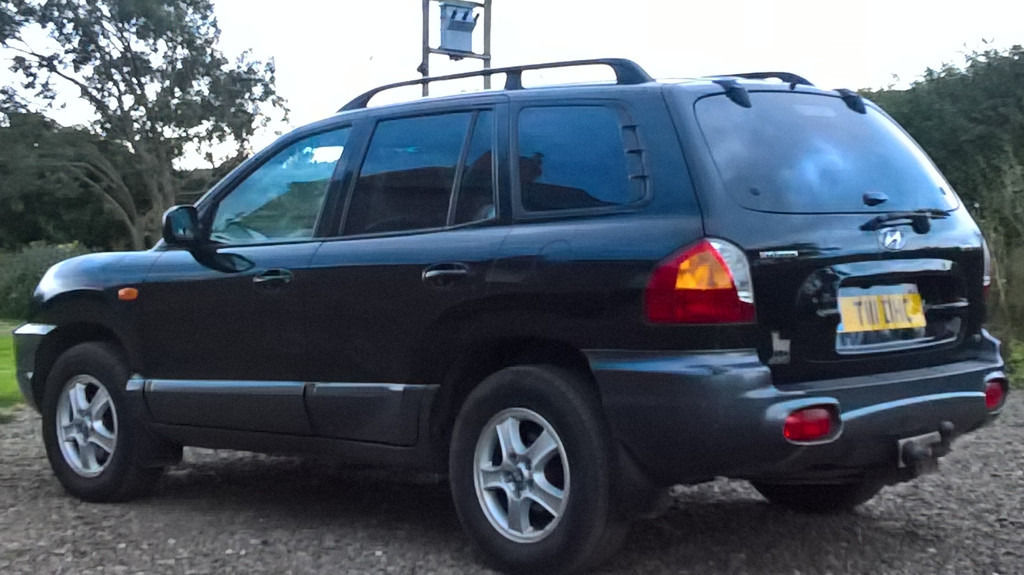 Hyundai Santa Fe 4WD 2.4 GSI 5 spd Manual 2004 - Great Condition. Low Mileage for year