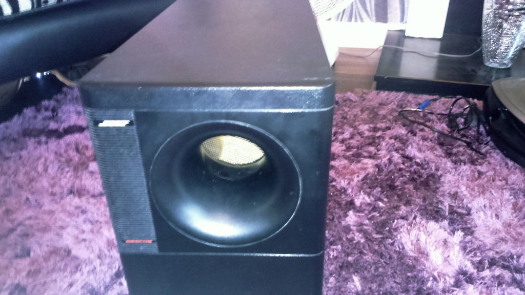 Bose Acoustimass 700 home theatre speaker system