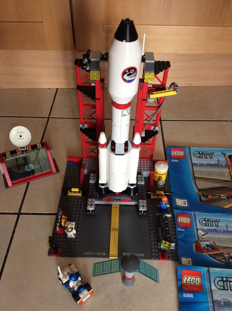 Lego space centre 3368 retired set