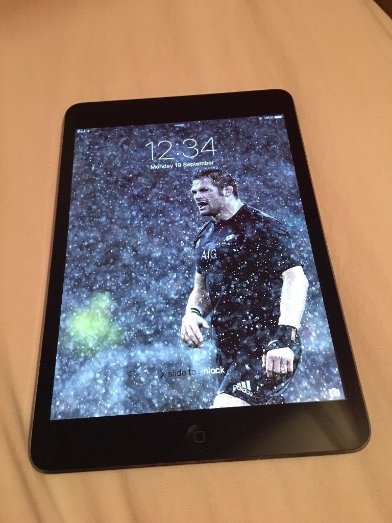 iPad Mini 16gb - Great condition - Barely used