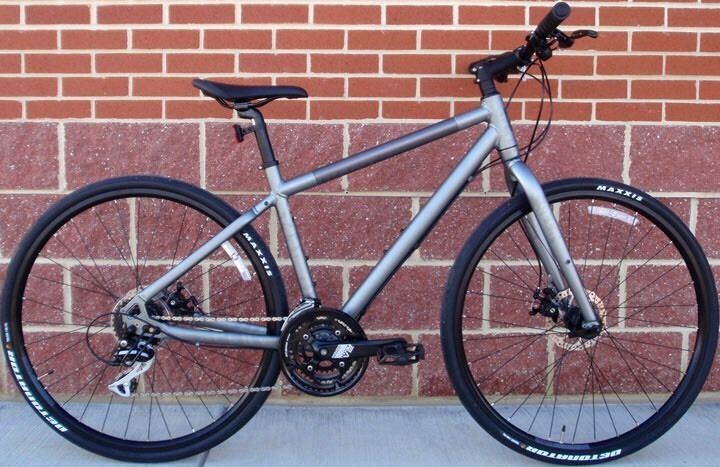 STOLEN GIANT SEEK 2 HYBRID BIKE