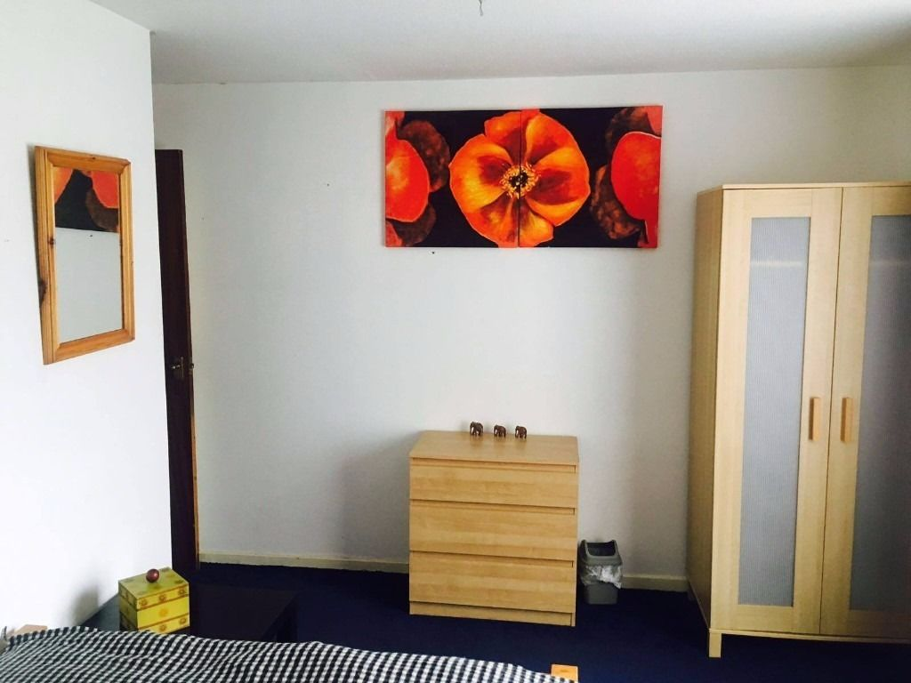 Short term double room in the city centre