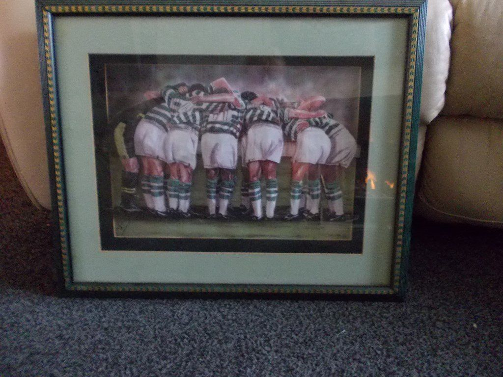 Celtic huddle 3 d framed picture in good condition.