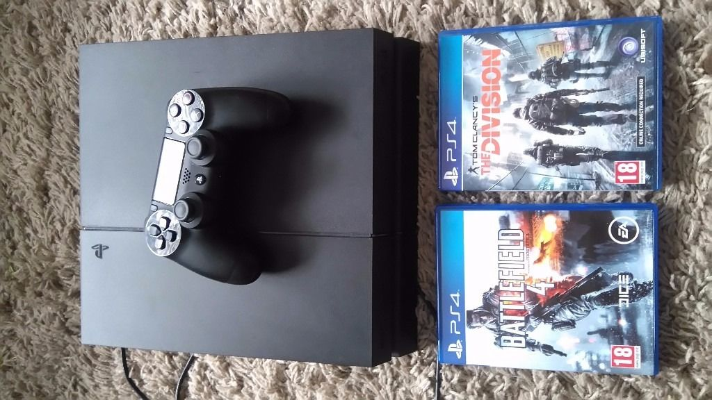 Ps4 1tb with battlefield 4 and the division