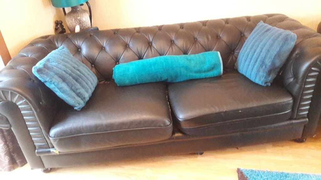 2 sofas for sale.good condition.moving house and wants them gone soon