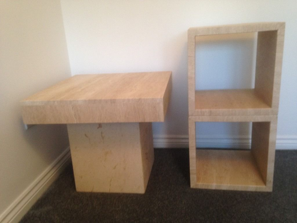MARBLE END TABLE & PAIR OF CUBES