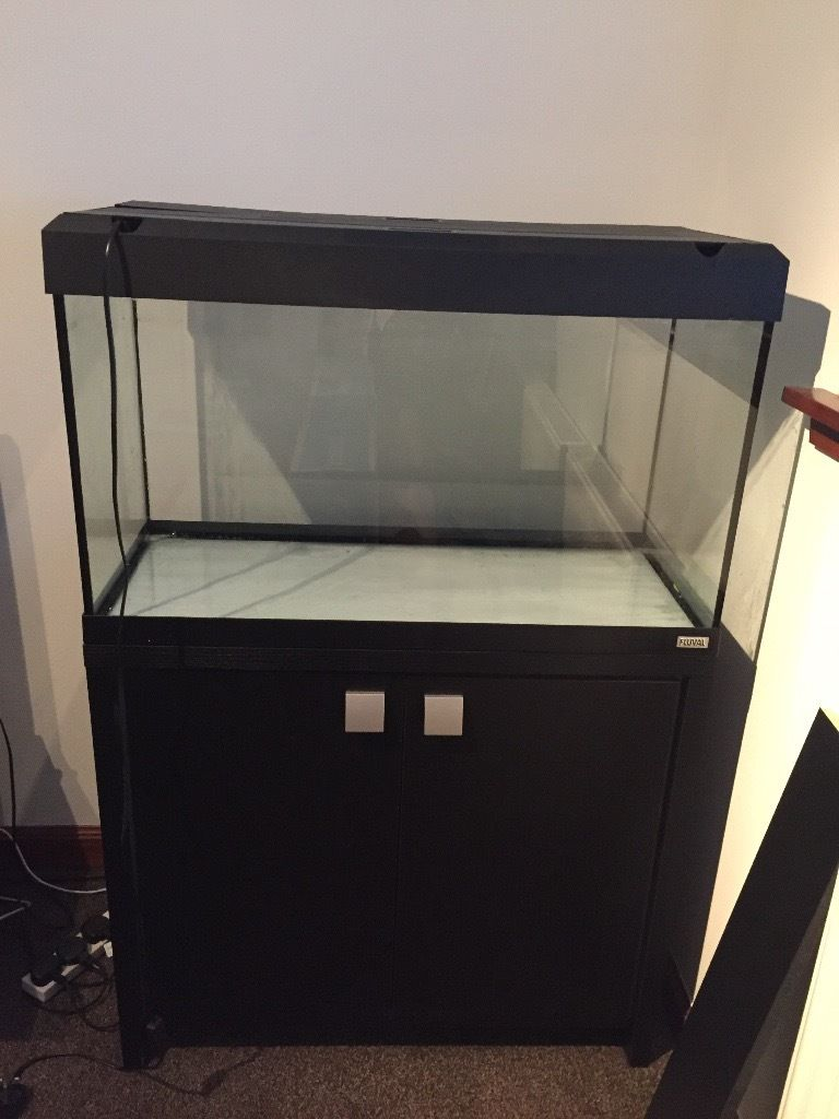 Fluval Roma 125 tank with cabinet & more