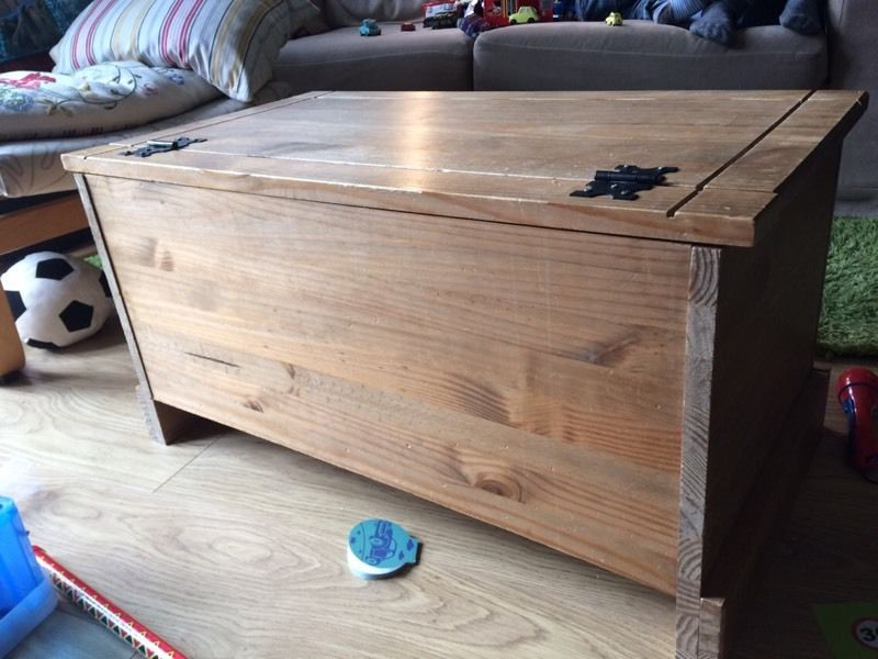 Wooden chest blanket box