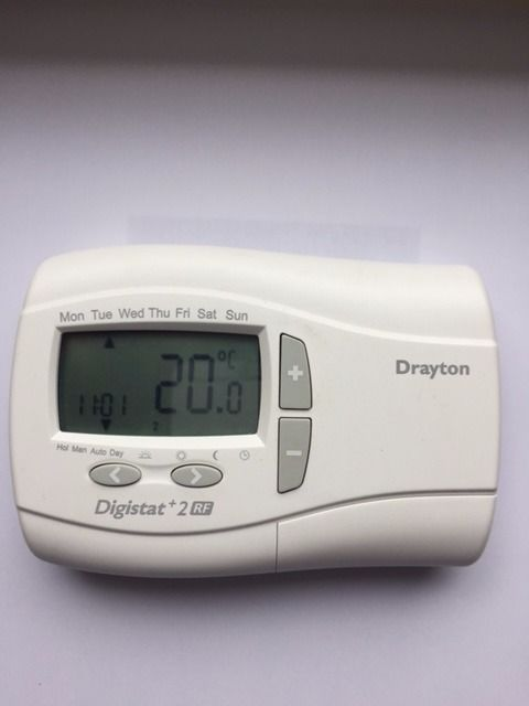 DRAYTON DIGISTAT + 2RF ROOM WIRELESS BATTERY THERMOSTAT AND MAINS DIGISTAT SCR