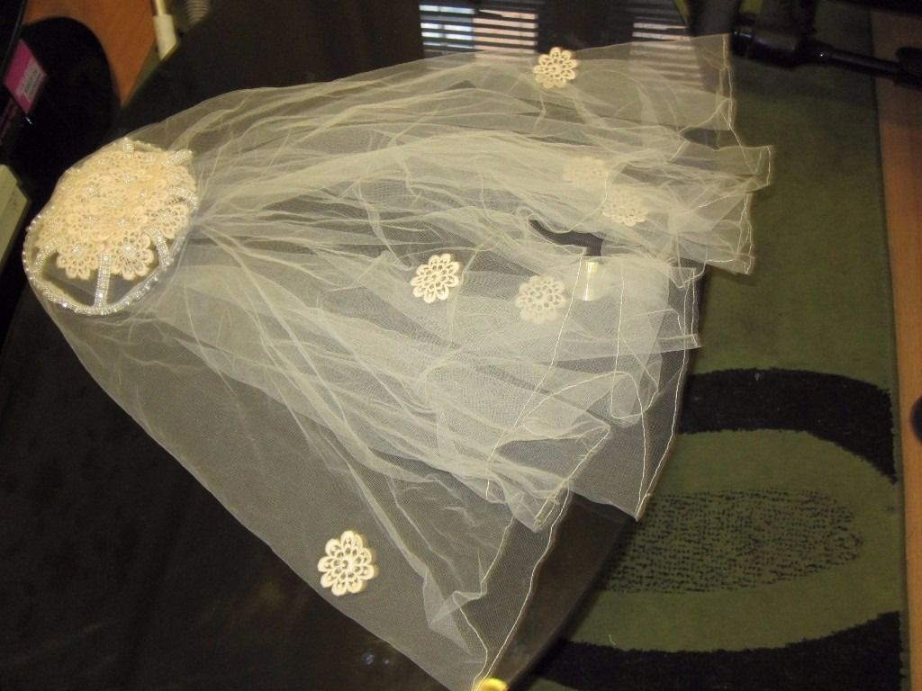 1950's style vintage combination skull cap veil, ivory colour with Diamonte