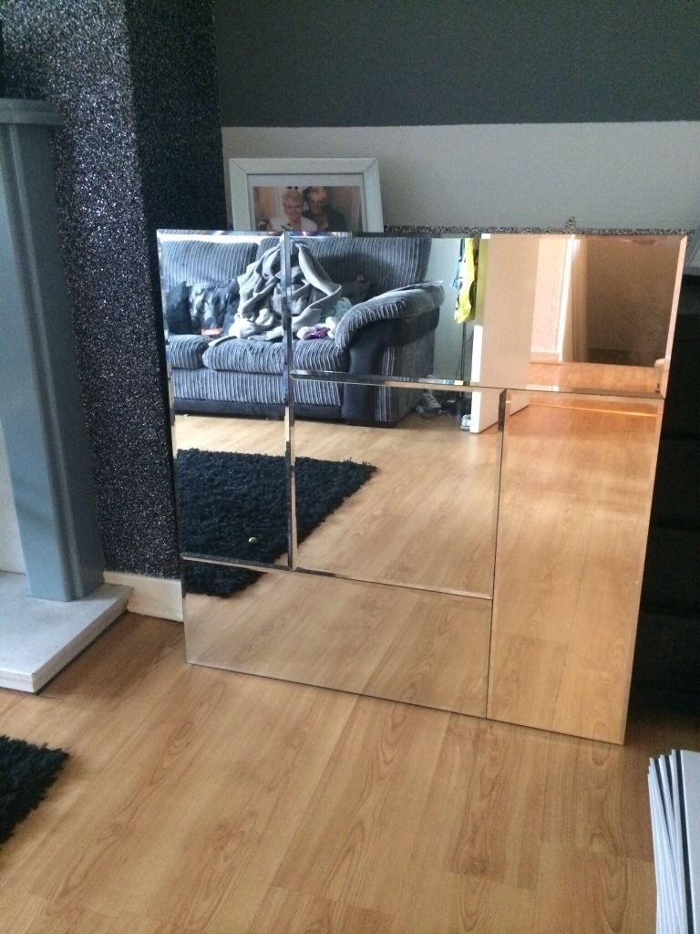 **large mirror 3 months old**