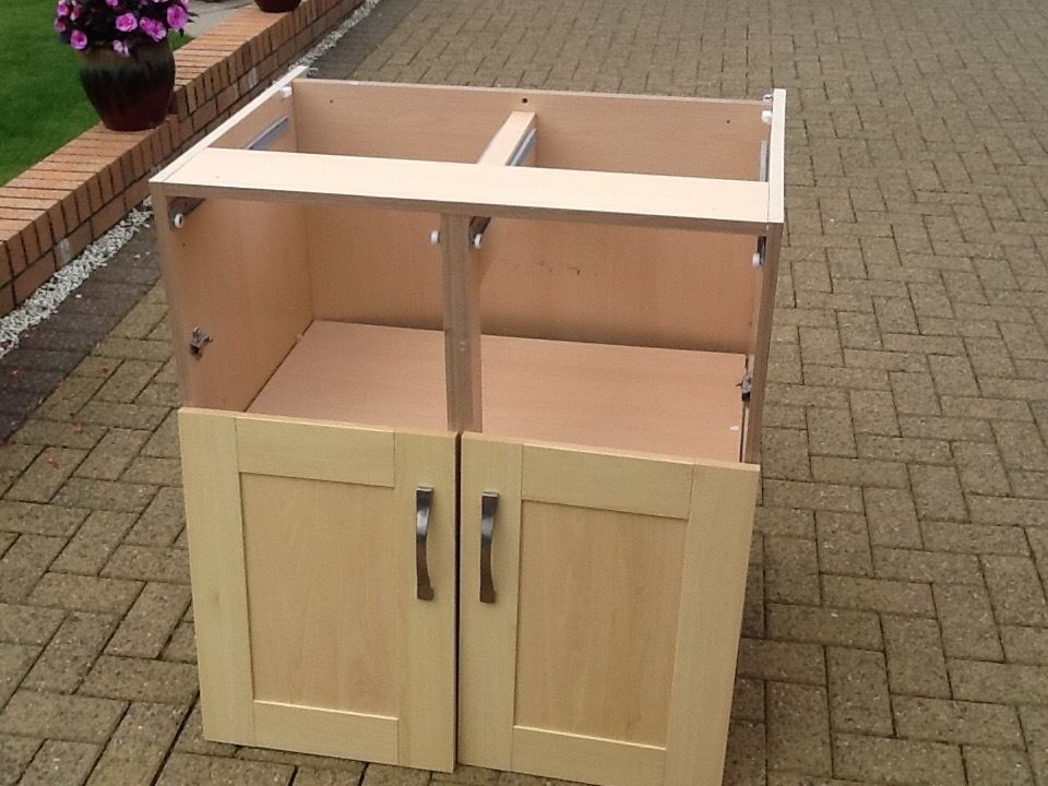 Good condition Howden's oak effect kitchen units.