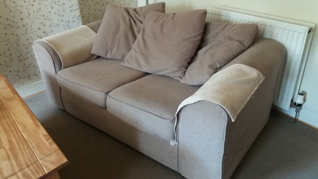 3 seater and a 2 seater sofa