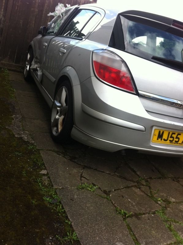 2005 1.8 astra Sri xp ideal for parts starts n drives