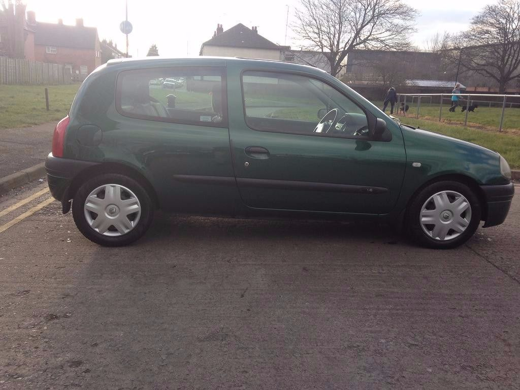 2001 RENAULT CLIO MOT'D TILL FEB 2017 DRIVES LIKE NEW