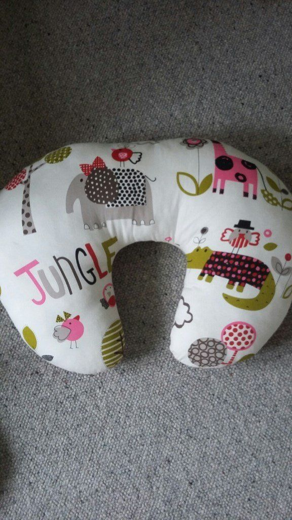 U-shaped Feeding Pillow