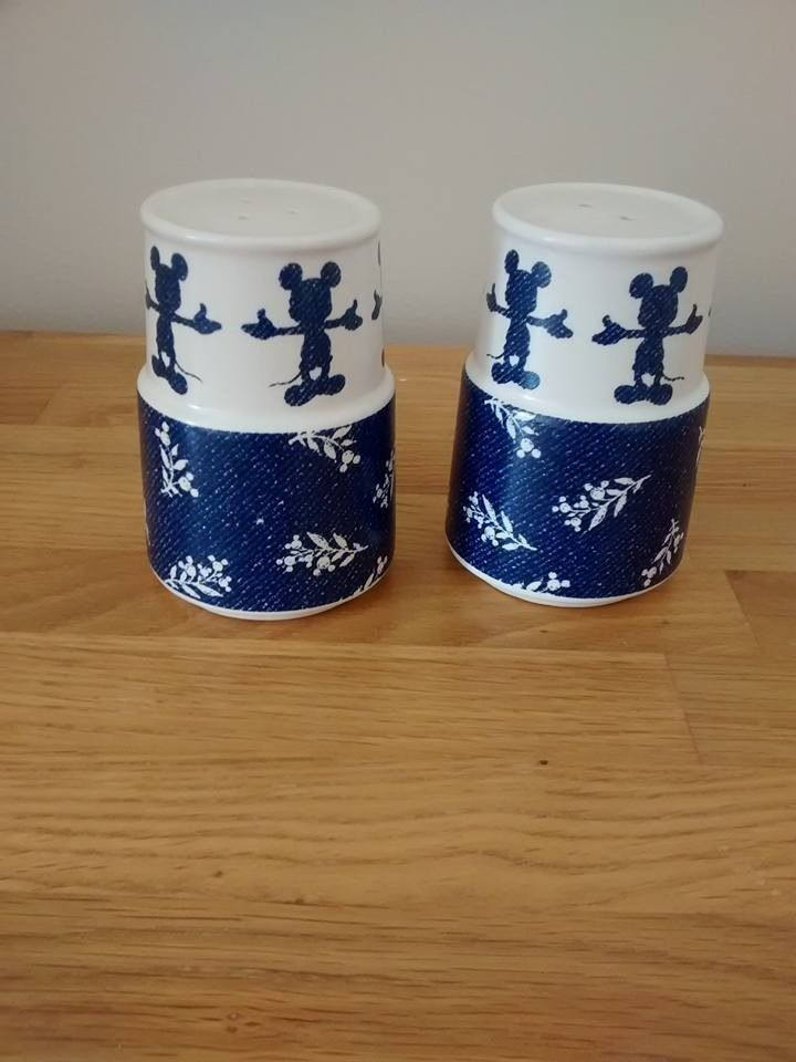 disney mickey mouse salt and pepper set shakers new