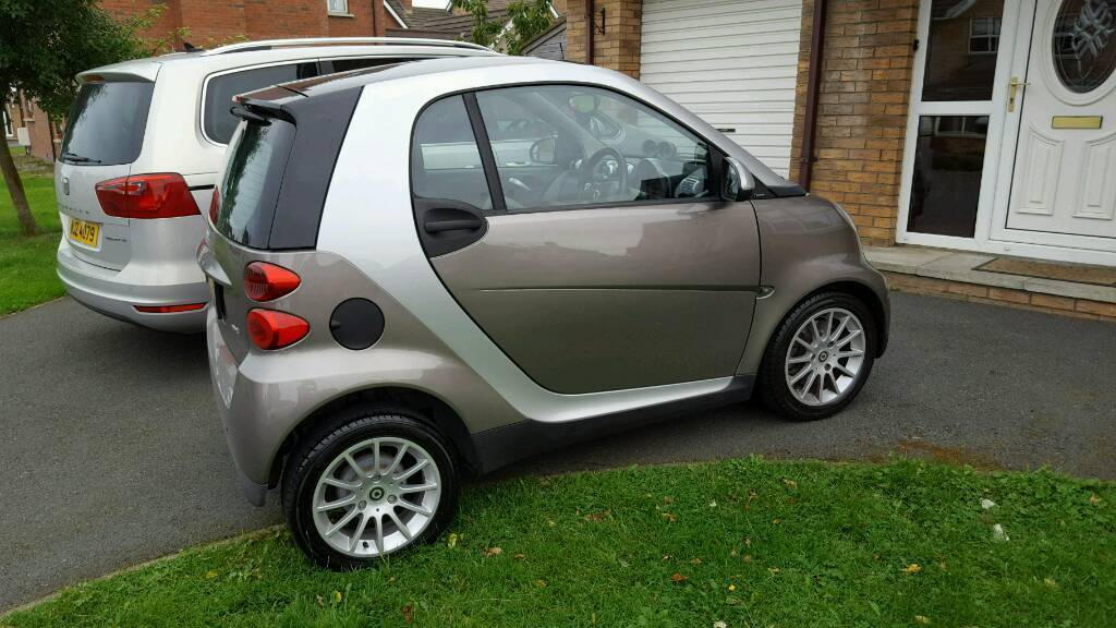 2009 smart passion....only 34.000 miles. ....2 Lady Owners From New....full service history. .