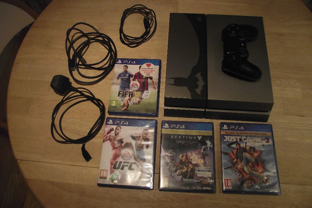 PS4 limited Ed. with games