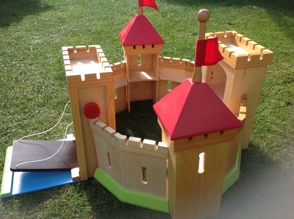Knights castle, wooden , almost new