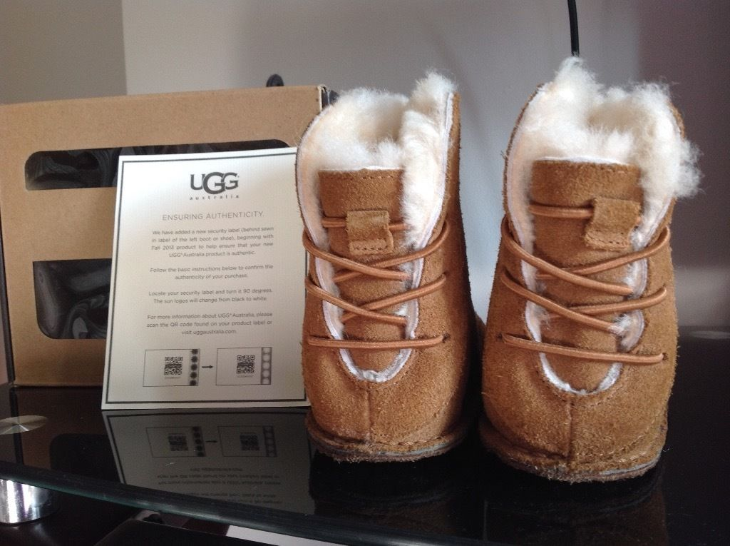 Baby UGG boots - size L (18-24 months)