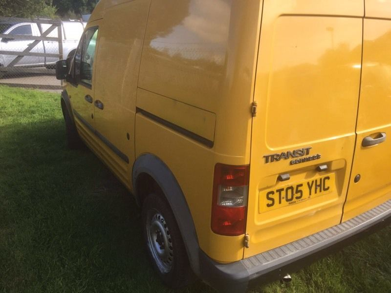 FORD TRANSIT CONNECT L230 D 2005