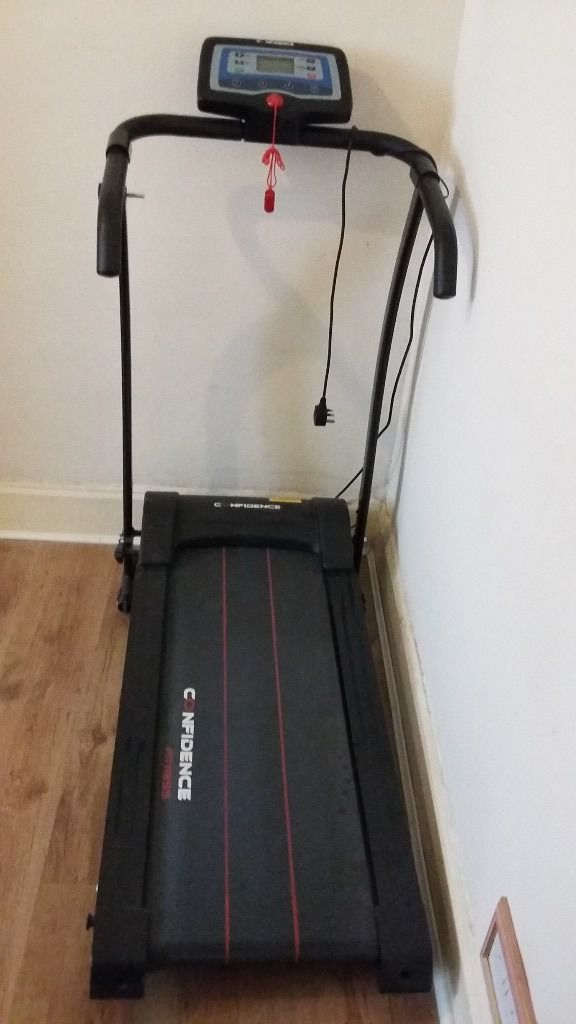 electronic confidence fitness treadmill hardly used bought few months selling due to moving
