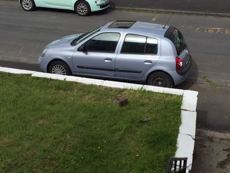 54 plate Clio 63000 on clock