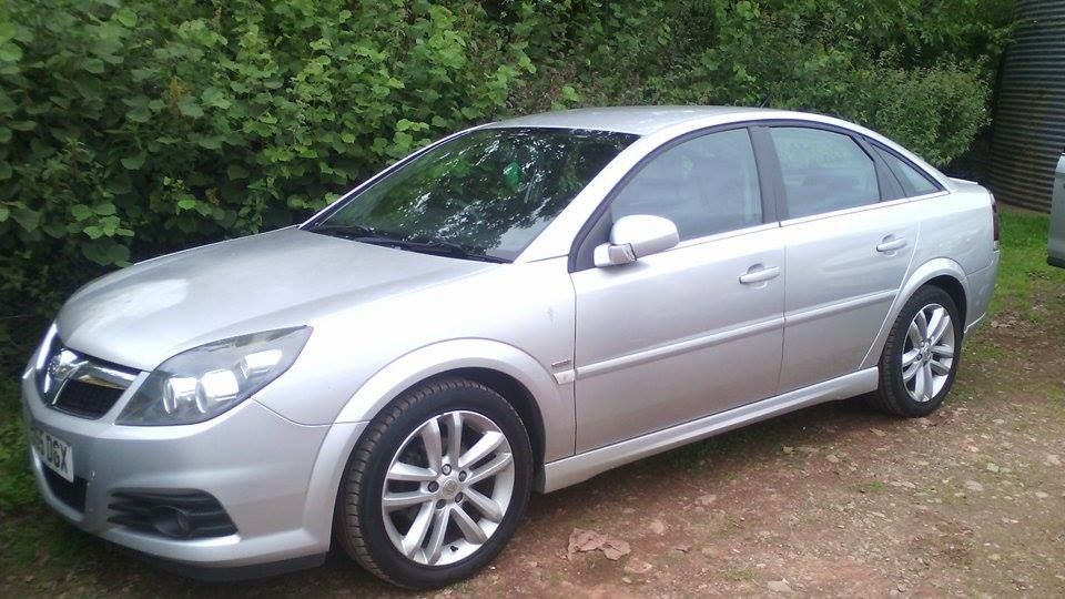 Vauxall Vectra 1.9 SRI CDTI car is in excellent condition