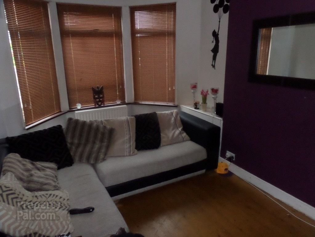 Double Room to rent - Donegall Road