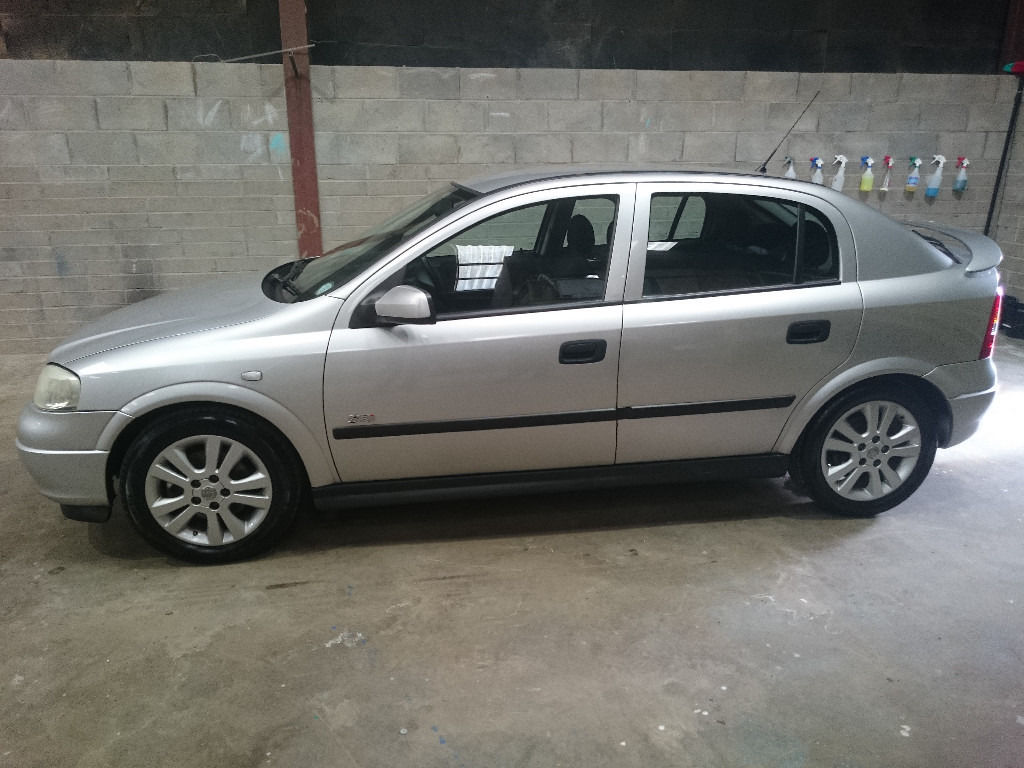 Original Vauxhall Astra 1.8 SRI with Cruise. MOT to Sept 2017. 62,600 miles and 3 MONTH WARRANTY