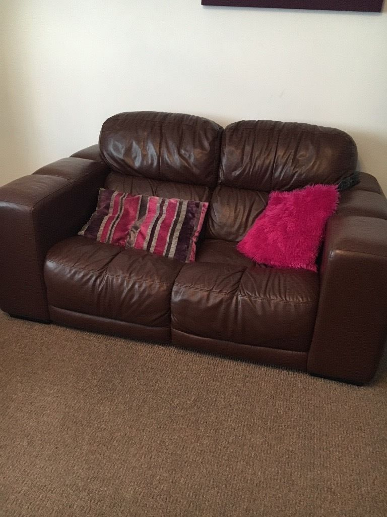 Brown 3 peice leather suite with footstool