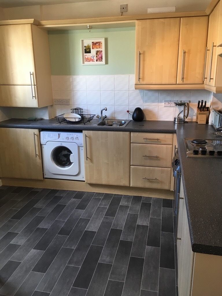 Double bedroom available in modern flat in Aberdeen city centre. Uni, town and ARI close by
