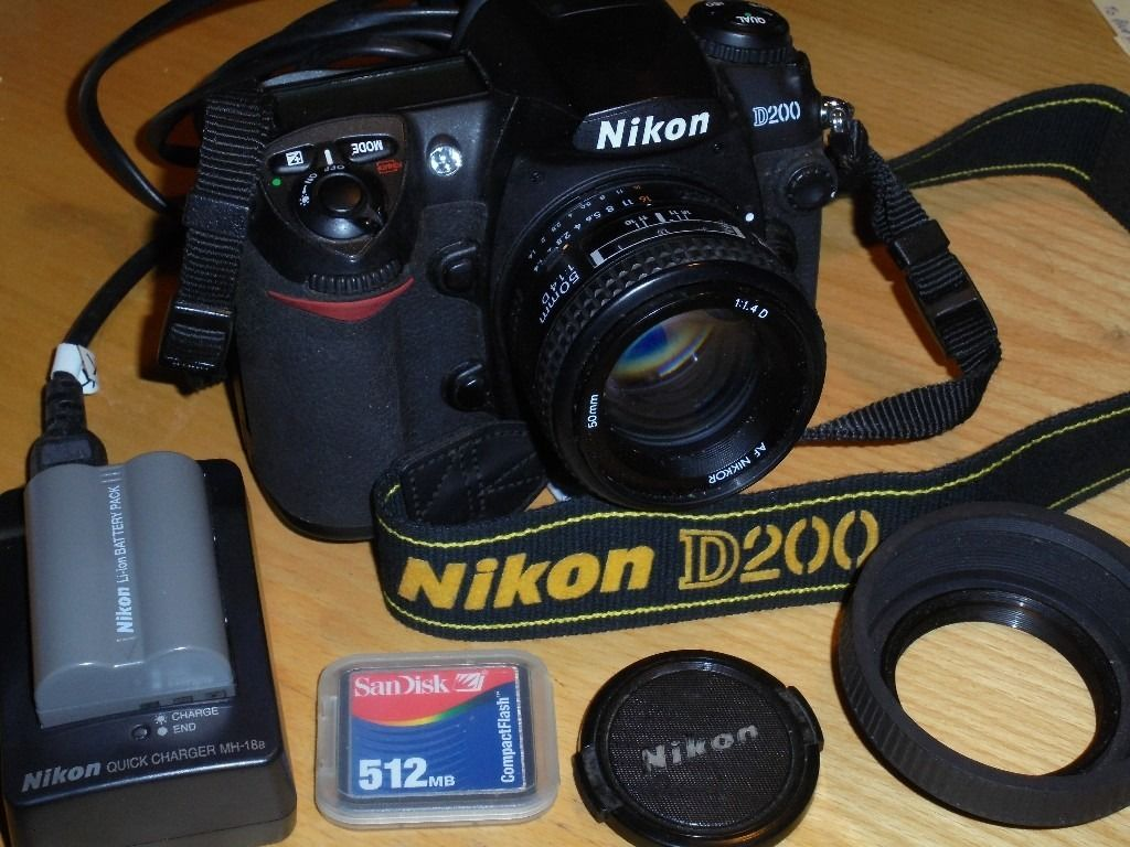 Nikon D D200 10.2MP Digital SLR Camera with 50mm 1.4 AF lens - only 8609 shots