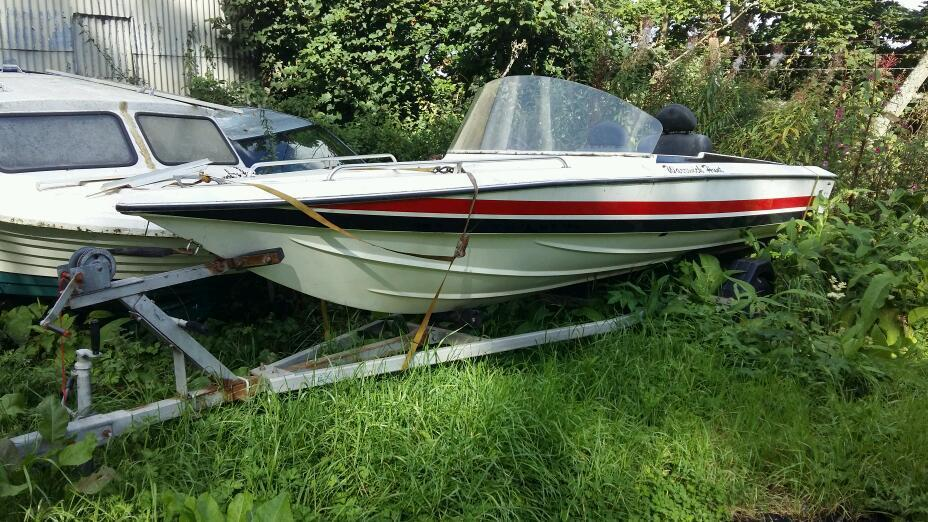 Speed boat with galvanised trailer