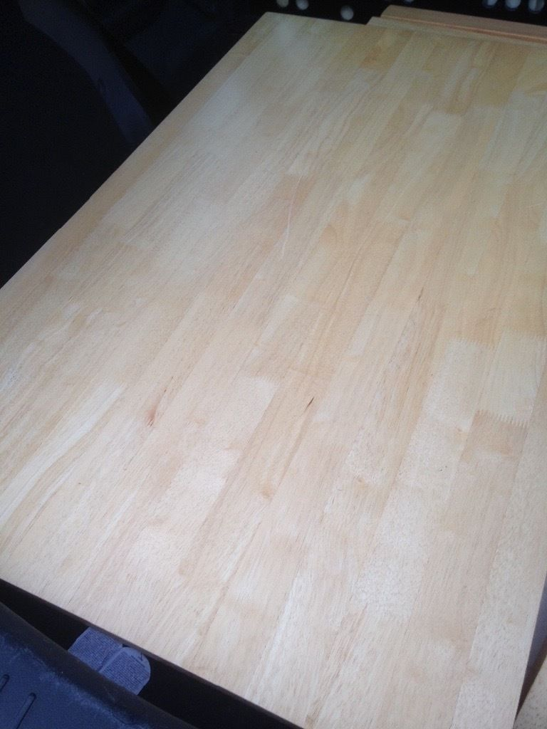 Wood kitchen table good condition