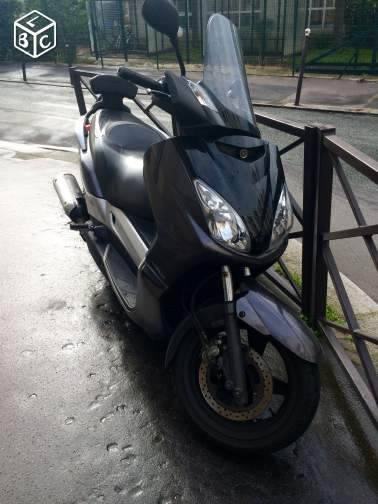 Scooter xmax125