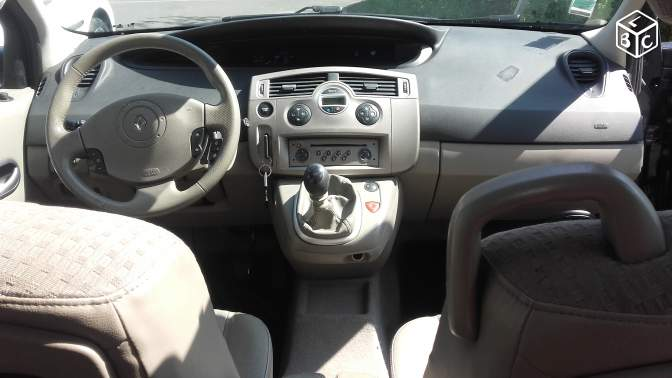 Renault GRAND SCENIC 1.9 DCI 7 Places Année 2005