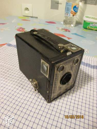 Appareil photo BROWNIE JUNIOR SIX-20