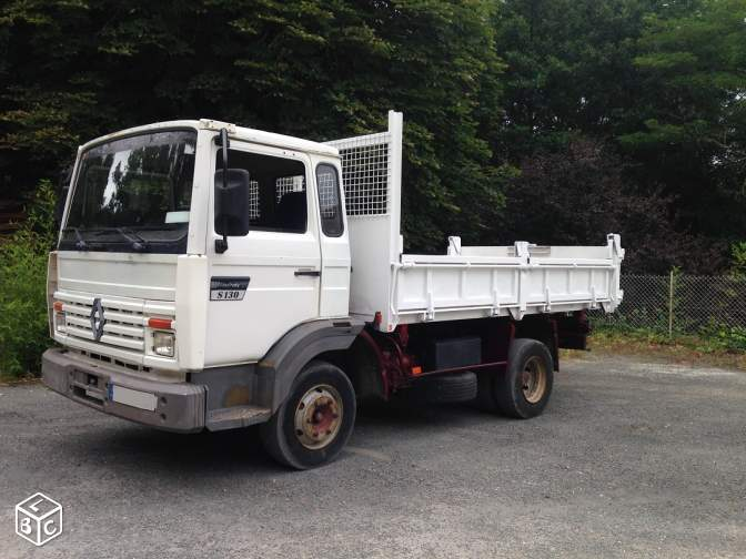 Camion renault benne