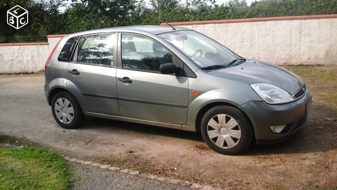 Ford Fiesta 1,2 essence Ghia