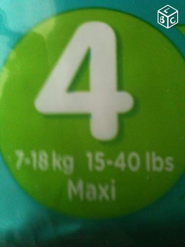 Lot de 40 couches PAMPERS T4