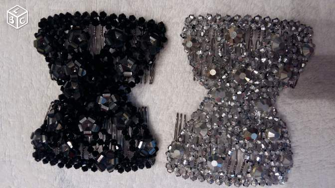 Barrettes originales neuves