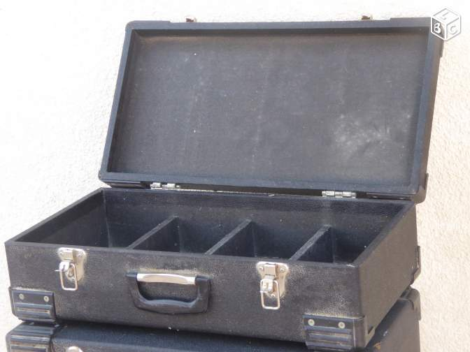 4 flight case range CD valise mallette disque DJ