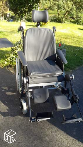 Fauteuil roulant invacare rea clematis