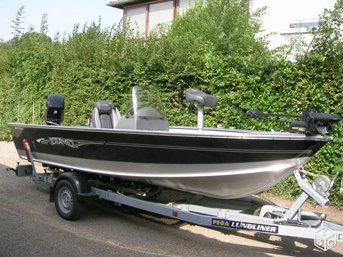 Bass boat lund rebel 1600