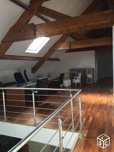 Loft / atelier / bureaux / show room / start up